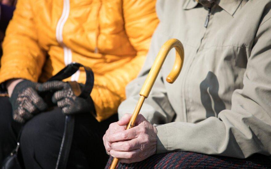 """Sumaištis dėl pensijų: """"Sodra"""" žmonių prašo kantrybės"""