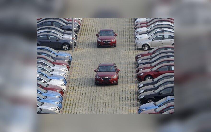 """Vokietijos automobilių pardavėjų laukia """"pagirios"""" po subsidijų """"vakarėlio"""""""