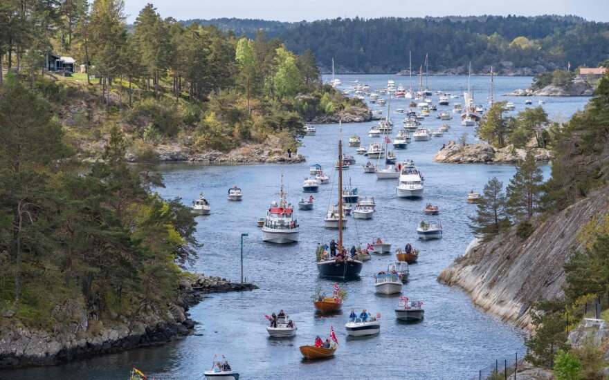 Norvegija nebenaudos COVID-19 sekimo programėlės, kilus susirūpinimui dėl duomenų saugumo