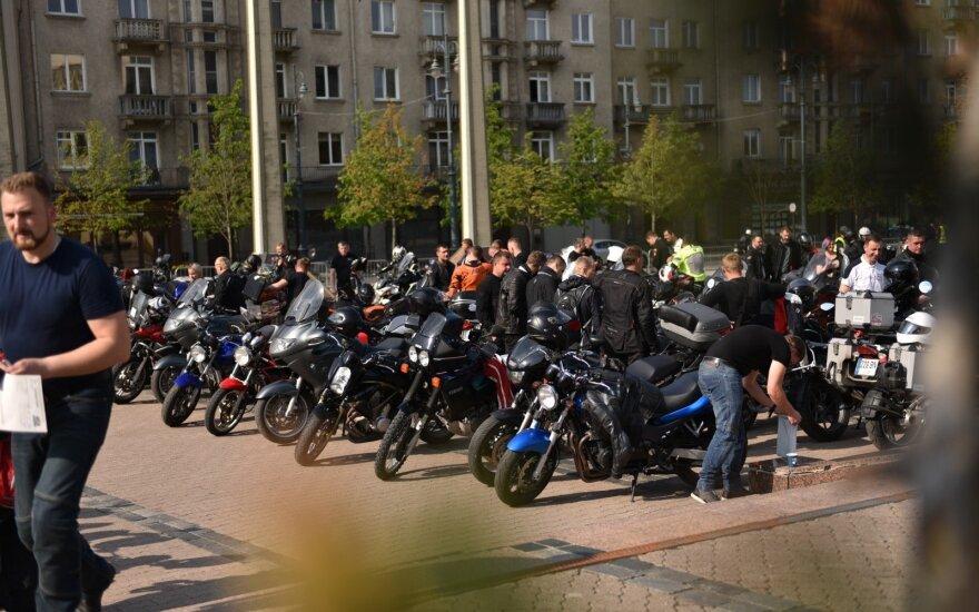 """""""Mototurizmo sprinto 2019"""" startas prie Mažvydo bibliotekos"""