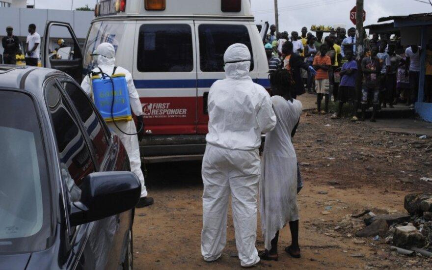 Ugandoje nuo Ebolos karštinės mirė penkiametis, nustatyti dar du užsikrėtusieji