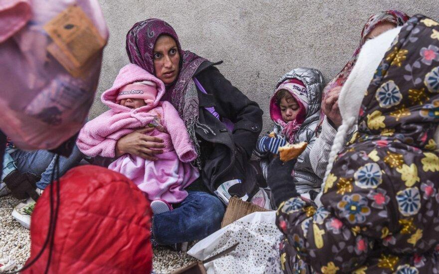 Bulgarijoje sunkvežimyje šaldytuve rasta daugiau kaip 100 migrantų