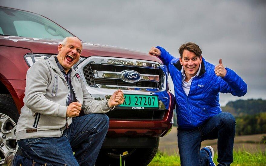 """Norvegai Knutas Wilthilas ir Henrikas Borchgrevnikas pasiekė rekordą """"Ford Ranger"""" pikapu"""