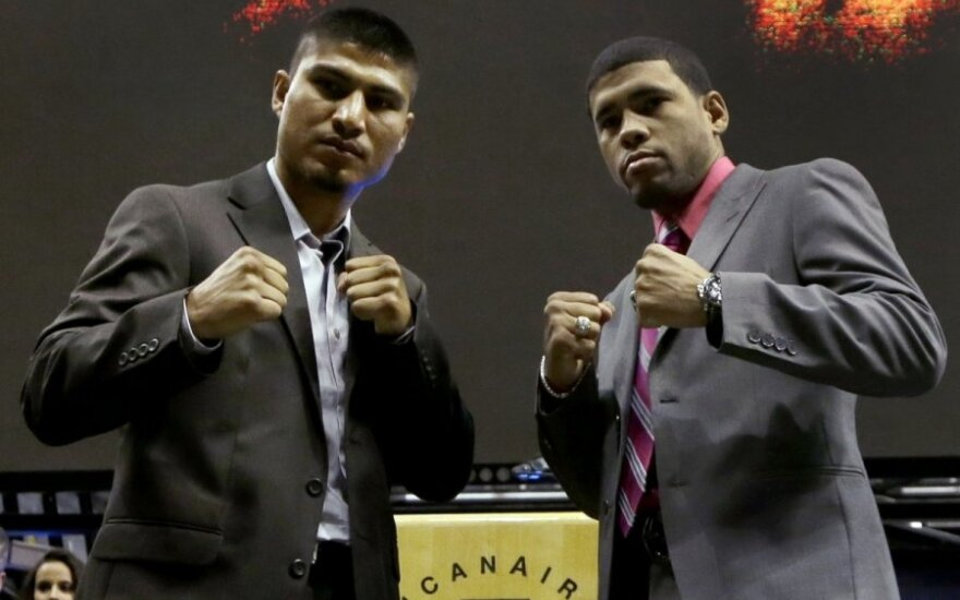 Mikey Garcia (kairėje) ir Juanas Manuelis Lopezas