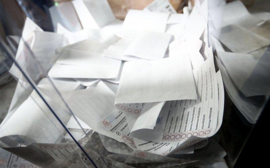 VRK įregistravo 12 partijų ir vieną koaliciją dalyvauti rinkimuose