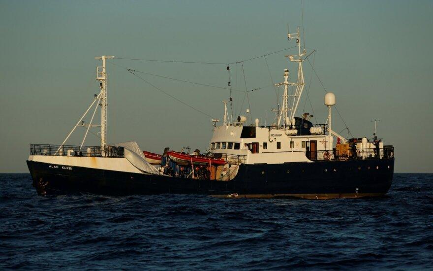"""Vokiečių organizacijos """"Sea-Eye"""" laivo išgelbėti migrantai išsilaipins Maltoje"""