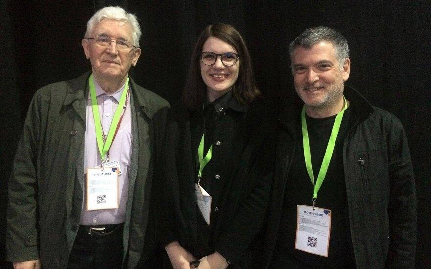 FLTR Goda Raibytė, Professor Juozas Vaitkus and Steven Goldfarb a CERN scientist