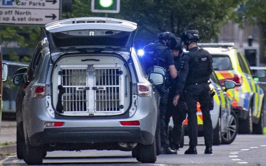 Jungtinėje Karalystėje sulaikytas tris žmones nužudęs įtariamasis