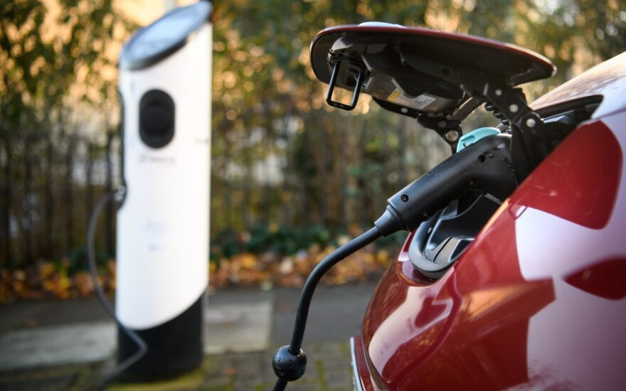 Europe Accelerates Electric-Car Shift With Subsidies, Bans