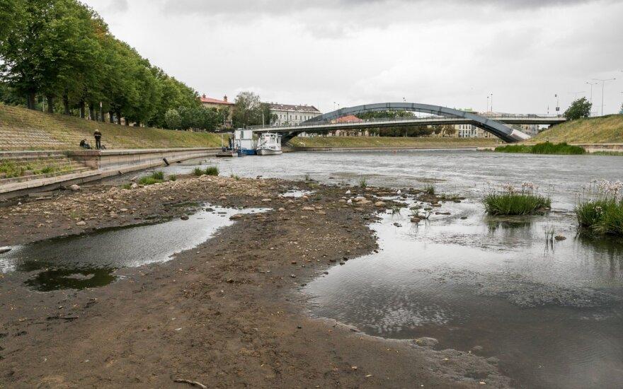 Nors atėjo ruduo, situacija negerėja: upėse trūksta vandens