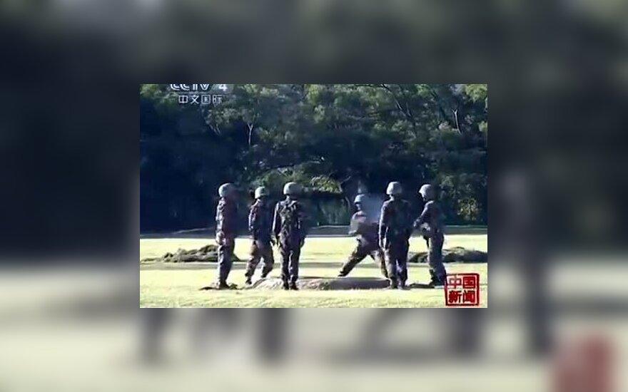 Kinijos kariuomenėje žaidžiamas mirtinas žaidimas – perduok sprogmenis