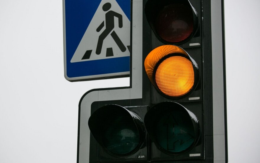 Pėsčiojo nepraleidusiam vairuotojui – 77 tūkst. eurų bauda
