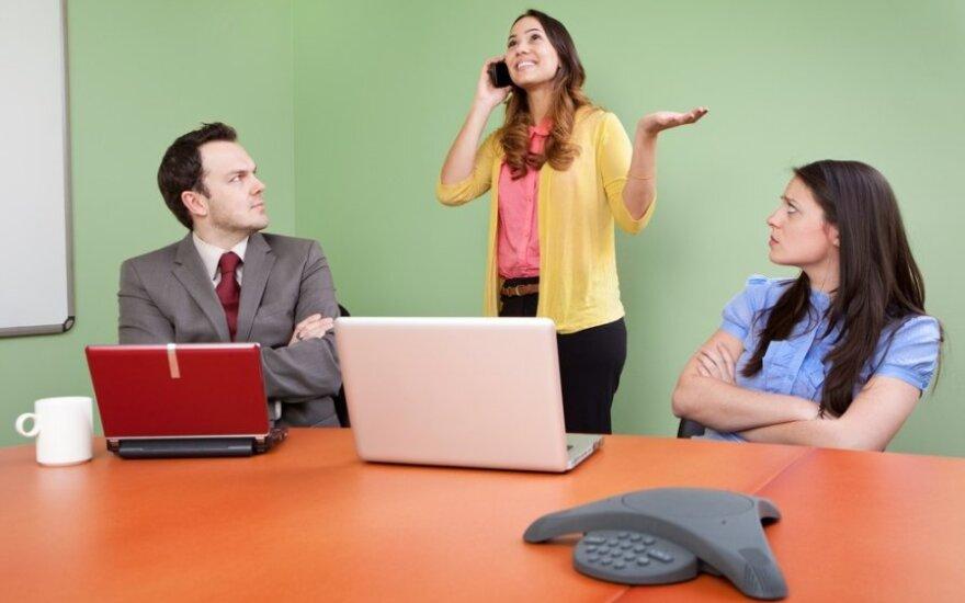 Kodėl kai kurie žmonės kalba per daug?