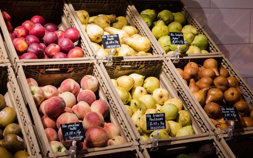 """""""Maxima"""": šiemet daugiausiai atpigusių produktų – vaisių, daržovių ir mėsos skyriuose"""