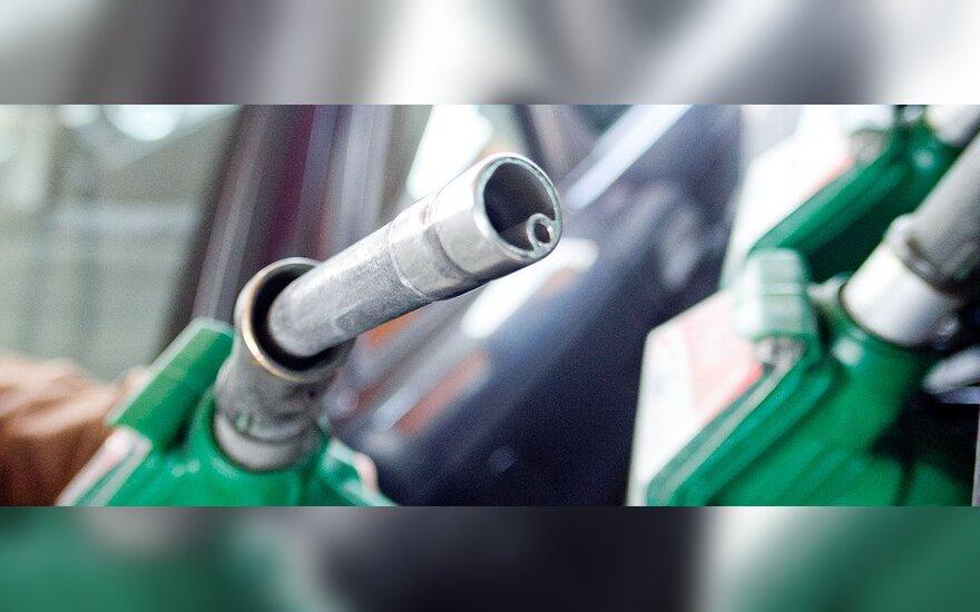 Kurioje šalyje sunkiausia uždirbti benzinui?
