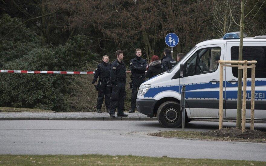 Vokietijoje policija kratė įtariamų dešiniųjų ekstremistų namus