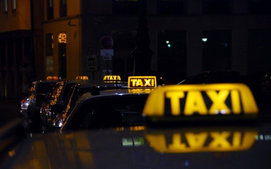 Taksi konkursą Vilniuje nukėlė paskutinę akimirką