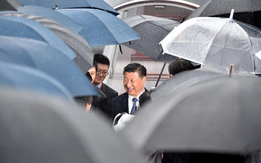 Kinijos prezidentas atvyko į Osaką dalyvauti G-20 susitikime