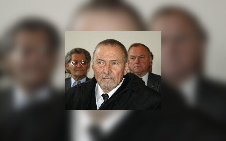 Teismas nusprendė A.Petrusevičiaus nesodinti į kalėjimą