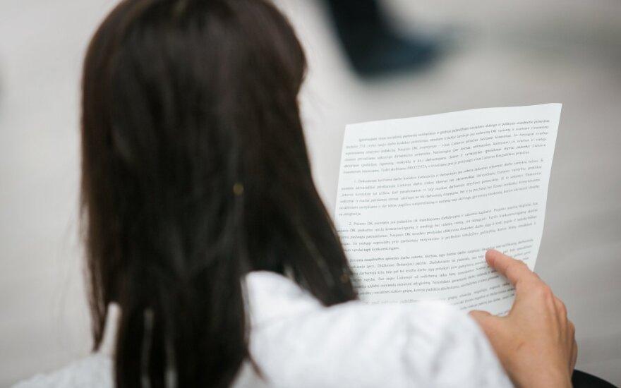 Siūlo Darbo kodekso pataisas: darbuotojai galėtų prisiteisti bylinėjimosi išlaidas