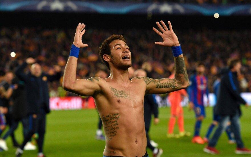 """""""Barcelona"""" stumia visus žetonus – už Neymarą siūlo 100 mln. eurų ir du pasaulio čempionus"""
