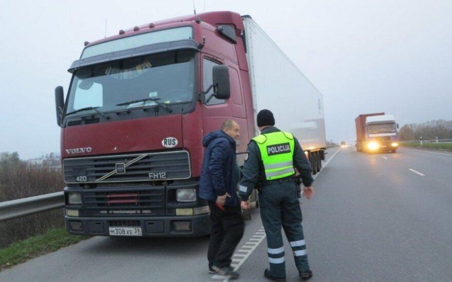 Reidas: pareigūnams teko pabėgioti paskui dosnų svečią iš Baltarusijos