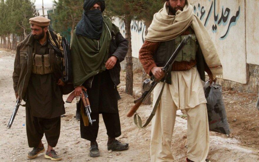 Talibai Afganistane nužudė 19 šalies saugumo pajėgų narių