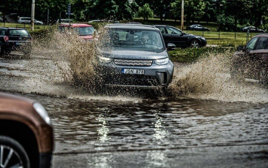 "Per balas su ""Land Rover Discovery"""