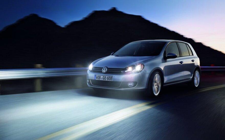 Kaip alternatyvūs energijos šaltiniai bei LED technologijos pasitarnauja eismo saugumui keliuose?