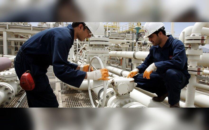 Rusija naftos eksportą Lenkijos kryptimi tikisi atnaujinti šią savaitę