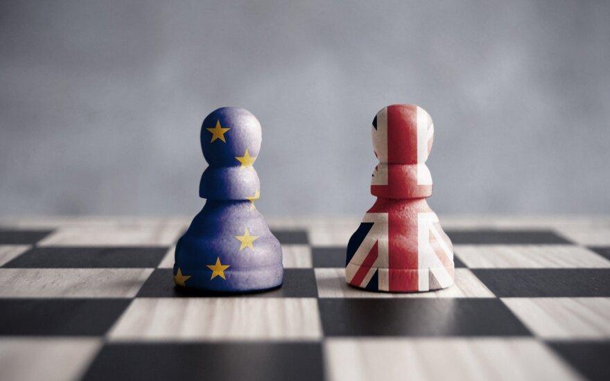 """""""Brexit"""" susitarimą planuoja pasiekti per 6-8 savaites"""