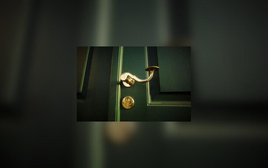 Durys, spyna, saugumas