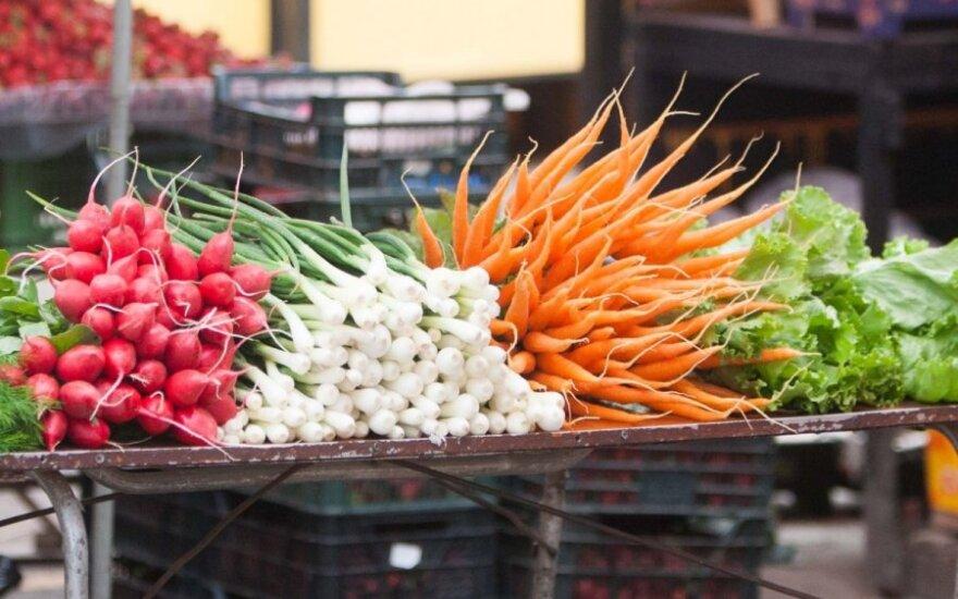 Gegužę gerokai pabrango morkos ir svogūnai