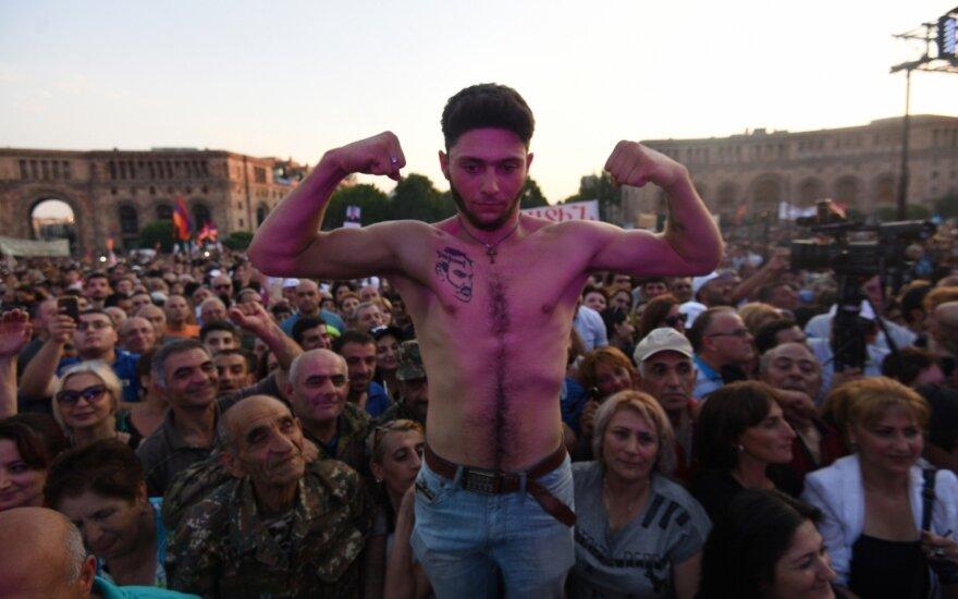 Armėnijoje įvyko didelis naujojo premjero šalininkų mitingas
