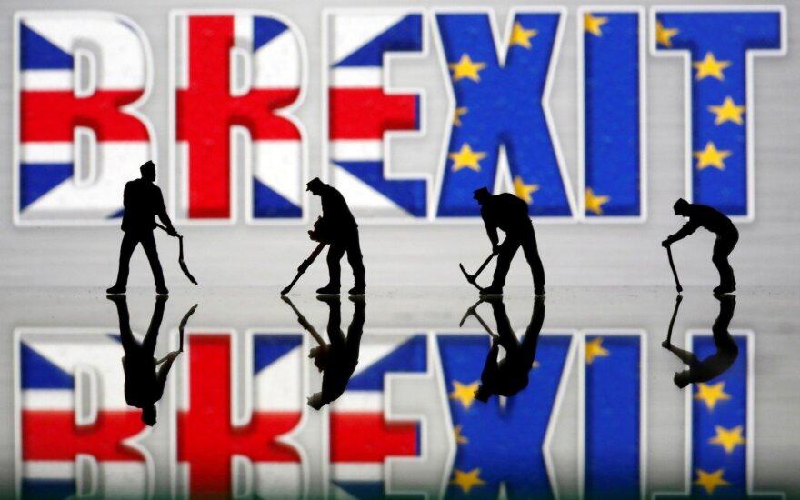 """Britų pareigūnas: vyriausybė apsvarstys """"parlamento valią"""" dėl """"Brexit"""""""