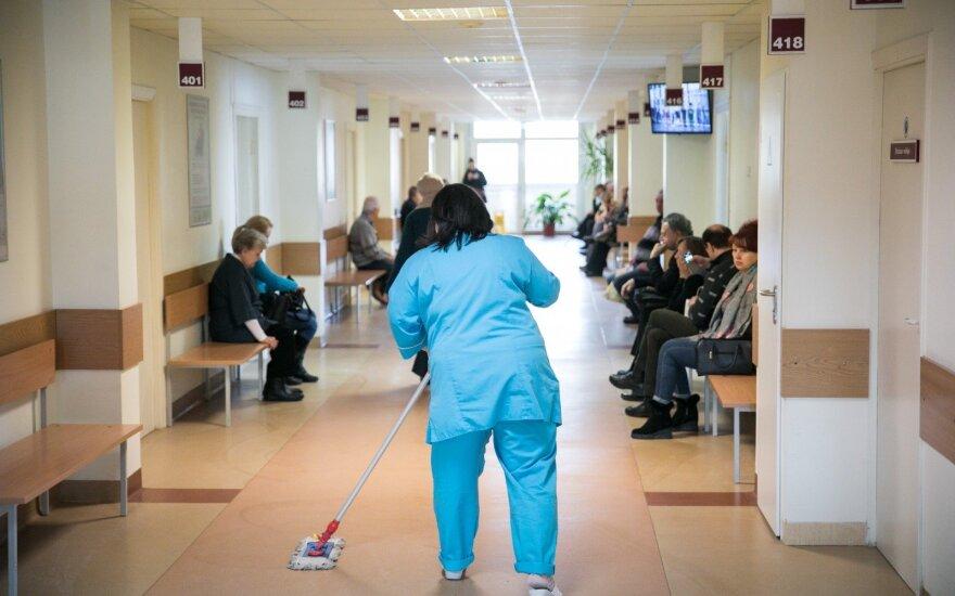 Medikai nori naujo mokesčio kiekvienam, einančiam į polikliniką