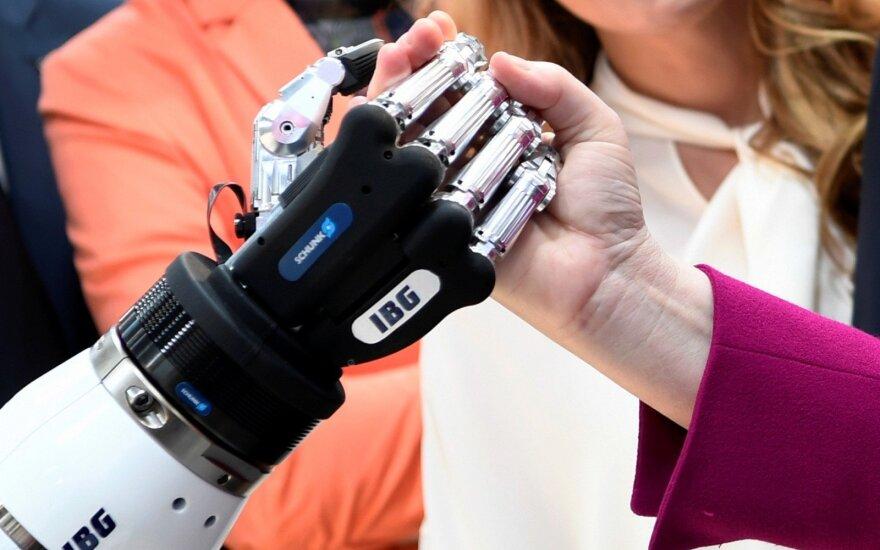 Baimė dėl darbo vietos: kalti ne robotai, o mūsų ribotumas?