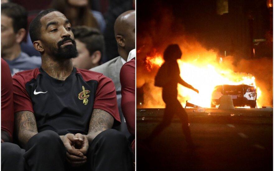 JR Smithas, smurtas JAV miestų gatvėse