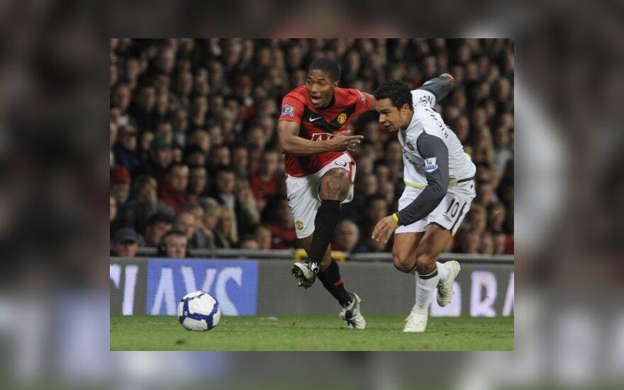 """Antonio Valencia  (""""Man. Utd."""") ir Kieranas Richardsonas (""""Sunderland"""")"""
