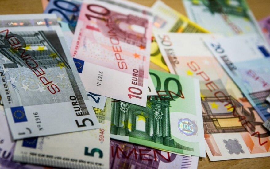 Atvertas kelias euro įvedimui