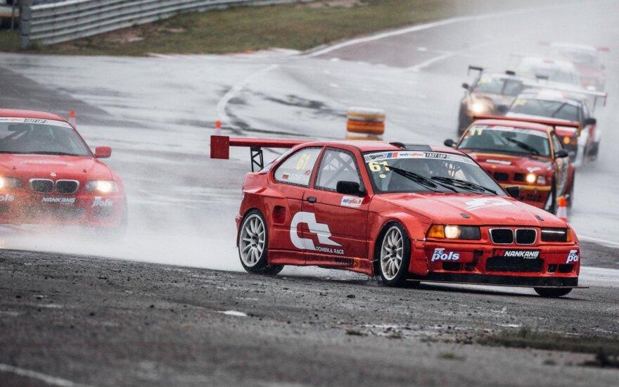 "R3000 klasės lenktynės ""Autoplius.lt Fast Lap"" lenktynėse"