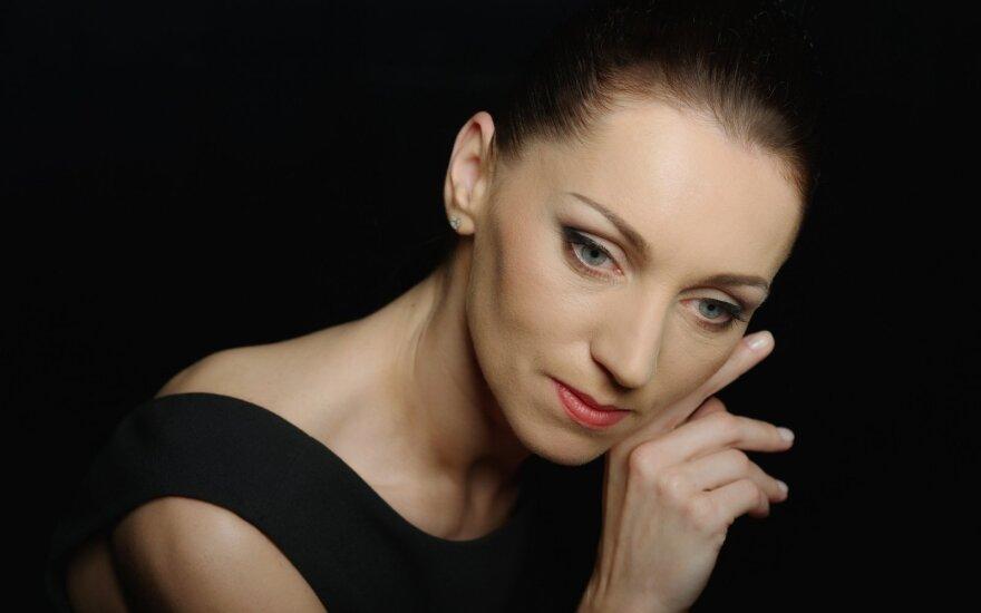 Primabalerina Olga Konošenko: scenoje dar nebuvo sukurta nieko labiau stebuklingo