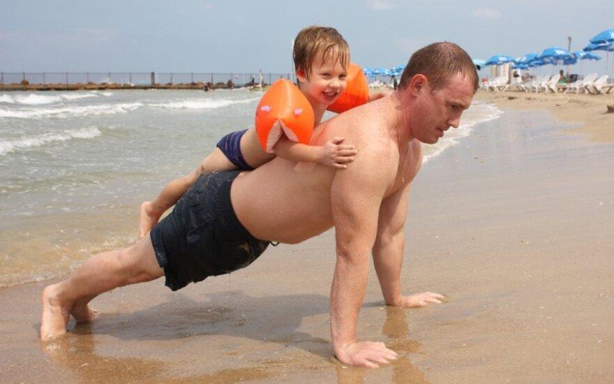 Tėtis sportuoja