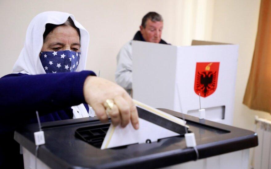 Albanijoje vyksta parlamento rinkimai