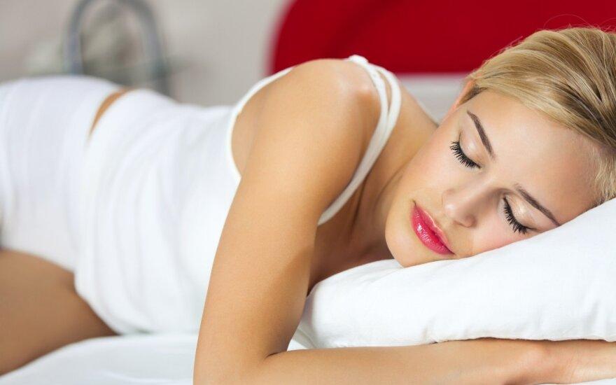 Kaip miegoti, kad neskaudėtų nugaros