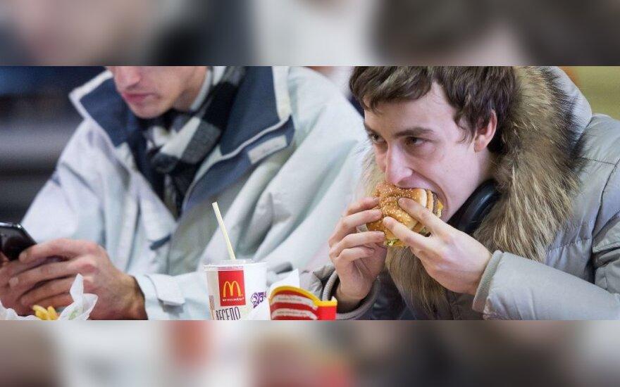 """D. Puškovas prašo išvaduoti rusus nuo """"McDonald's"""""""