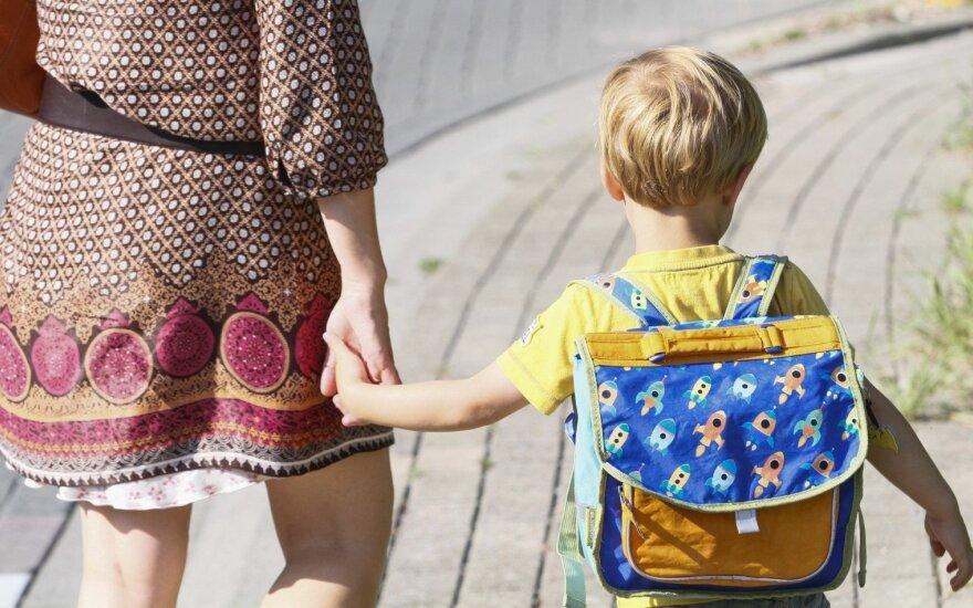 Psichologė pataria, kaip palengvinti pirmąsias vaiko dienas mokykloje
