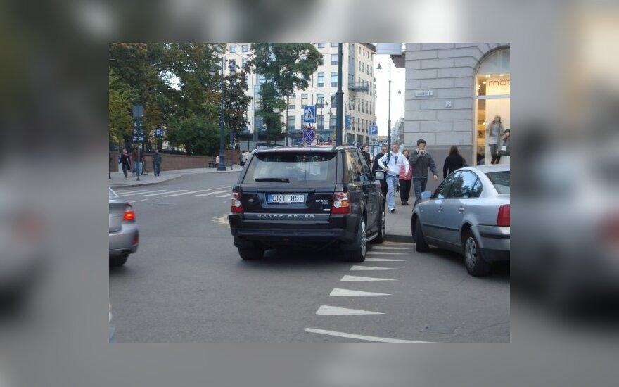 Parkavimas Vilniuje, Vilniaus ir Lelevelio g. sankryžoje. 2009-09-30, 18 val.