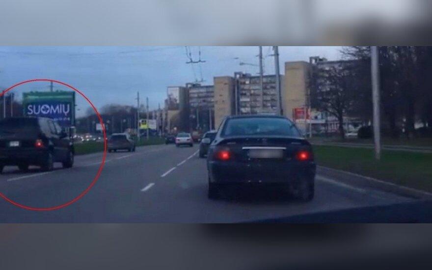 Mercedes visureigis KET pažeidėjas