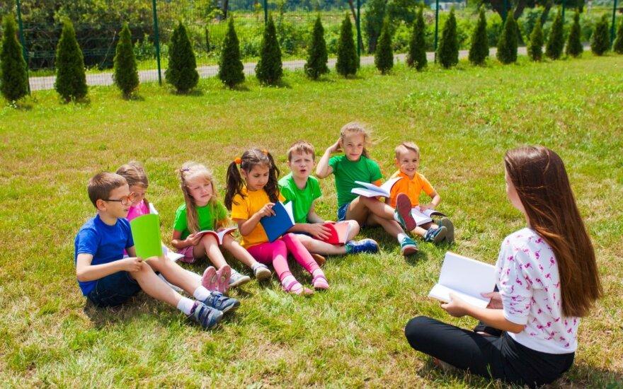 Vaikai stovykloje